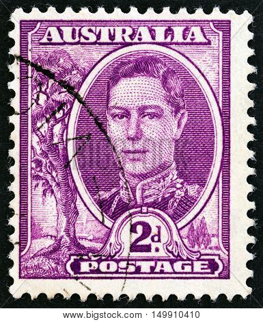 AUSTRALIA - CIRCA 1942: A stamp printed in Australia shows King George VI, circa 1942.