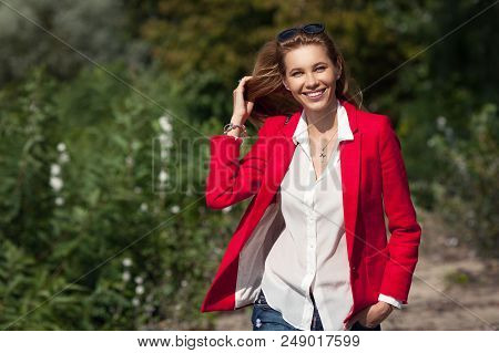 what goes with a red jacket