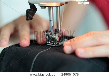 Processes Of Sewing Linum On The Sewing Machine Sew Women's Hands Sewing Machine Linum. Sewing Machi