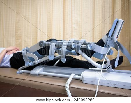 Knee Cpm Device ,rehabilitation After Knee Surgery