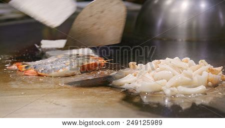 Teppanyaki in Taiwan restaurant, grilling seafood and meat