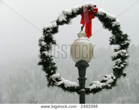 Snowy Lamp And Wreath