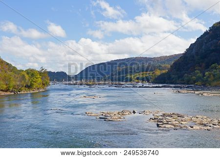 Bridge Over Shenandoah River In Harpers Ferry, West Virginia, Usa. Blue Ridge Mountain In Harpers Fe