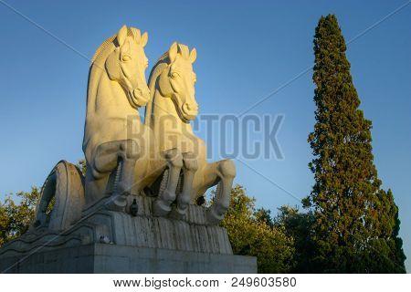 Lisbon, Portugal - September 17, 2006: Statute Of Two Sea Horses (mythological Hippocampi ) In Empir