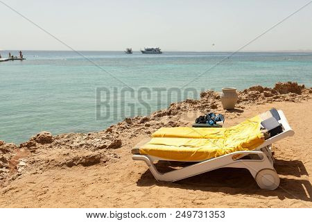 Half Turn View Chaise Longues On The Beach Beach Chaise Longues On The Summer
