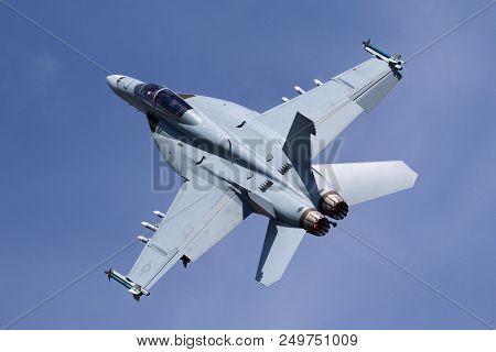 Raf Fairford, Gloucestershire, Uk - July 12, 2014: United States Navy Boeing F/a-18f Super Hornet Mu