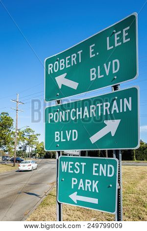 New Orleans, Usa - Nov 26, 2017: Roadside Signs Showing Directions To Robert E. Lee And Pontchartrai