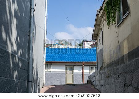 Blue House In Incheon