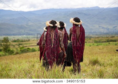 Indonesia, Papua New Guinea, Wamena, Irian Jaya, 20 August 2018: Papuans Womens Of Local Tribes On B