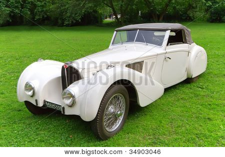 BADEN-BADEN, GERMANY  JULY 13:  BUGATTI TYPE-57S (1937)  at The International Exhibition of old cars