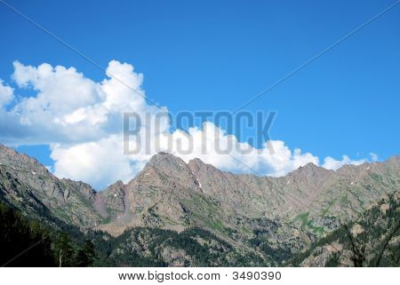 Puffy Topped Peaks