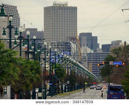 New Orleans, Louisiana, U.s.a - February 4, 2020 - The View Of The Road And Traffic Overlooking Down