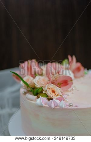 Delicate Pink Wedding Cake With Natural Fresh Beautiful Flowers Roses And Lily. How To Put Fresh Flo