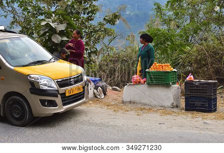 Darjeeling, West Bengal, India- December 25, 2019: Car Stops Near A Fruit Shop With Different Fruits