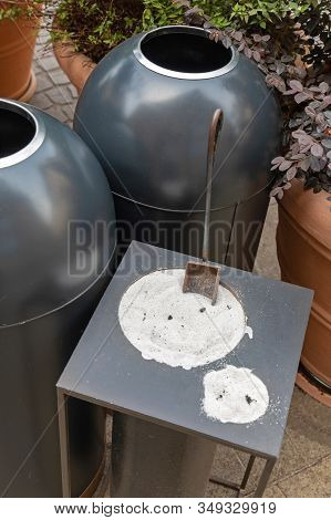 Outdoor Cigarette Butts Ashtray Silica Sand Pit
