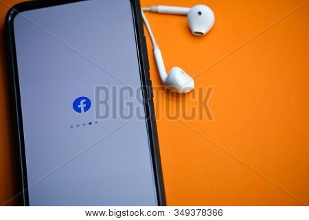 Tikamgarh, Madhya Pradesh, India - December 17, 2019: Facebook Application Loading On Mobile Phone S