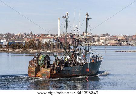 New Bedford, Massachusetts, Usa - January 31, 2020: Commercial Fishing Boat Iberia Ii  Making Her Wa