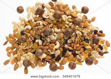 Mix Of Nuts And Dried Fruits. Cashew, Almonds, Macadamia, Hazelnuts, Brazilian, Walnuts, Raisins, Pe
