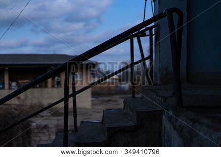 Stone Staircase With Iron Railing.stone Staircase With Iron Railing