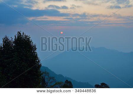 Blue Ridge Parkway Scenic Landscape Appalachian Mountains Ridges Sunrise Layers Over Great Smoky Him