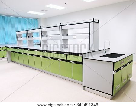 The Green Bench Laboratory In Cleaning Laboratory Room Use For Doing The Science Experiment. Clean Z