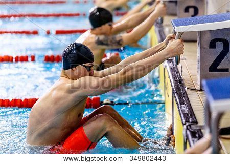 Start Men Backstroke Swim In Swimming Competition