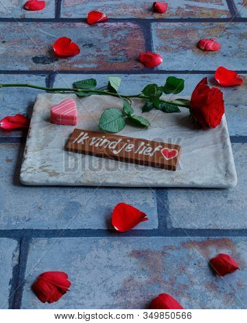 The Text I Love You In Dutch And A Rose For Valentine's Day