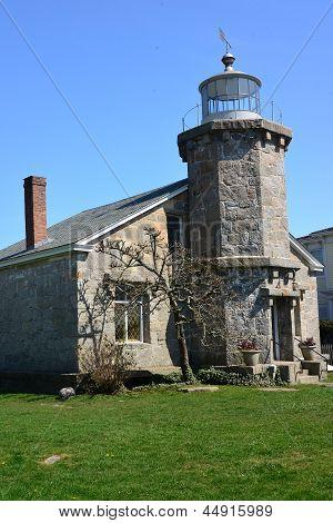 Old Stonington Light II