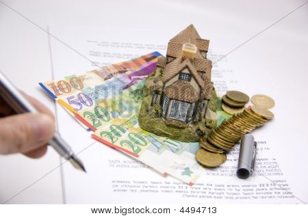 Sign Contract Real Estate