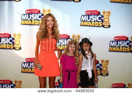 LOS ANGELES - APR 27:  Denise Richards, daughter Lola, friend arrives at the Radio Disney Music Awards 2013 at the Nokia Theater on April 27, 2013 in Los Angeles, CA