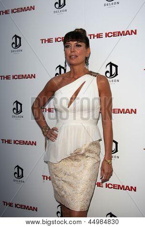 LOS ANGELES - APR 22:  Sandra Vidal arrives at