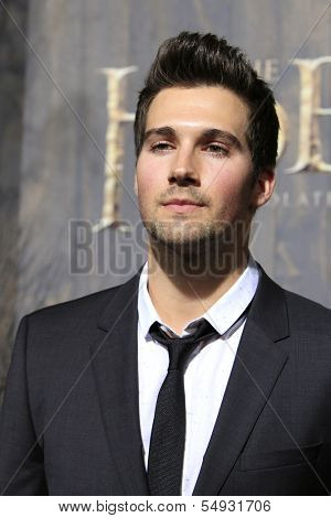LOS ANGELES - DEC 2: James Maslow at the premiere of Warner Bros' 'The Hobbit: The Desolation of Smaug' at the Dolby Theater on December 2, 2013 in Los Angeles, CA