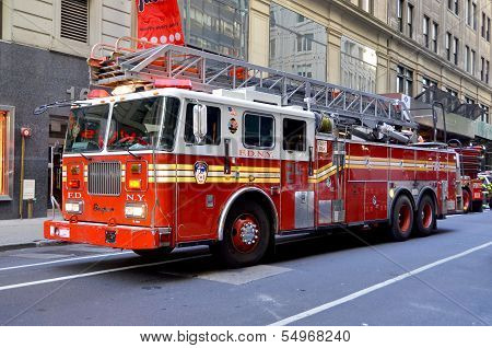 FDNY Tower Ladder 24 truck