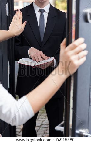 Talking Jehovah's Witness To Leave Her House