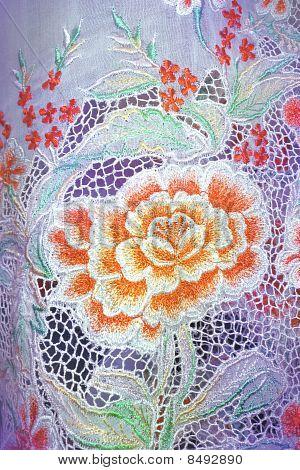 Luz pano Kebaya com flores laranja