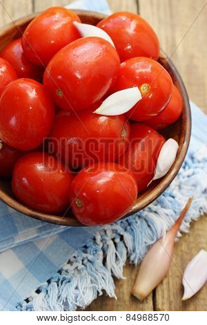 Leavened Tomatoes From The Barrel