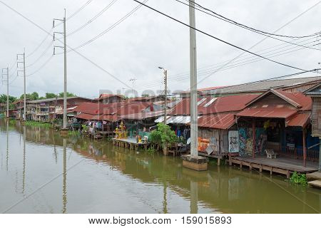 BANGKOK - July 10 2016 Thailand: Old Market Huatakhe The market is 100 years old.Waterfront community located at Lat Krabang.