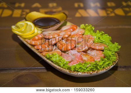 Mouth-watering Shrimp On A Plate Lined With Lettuce.