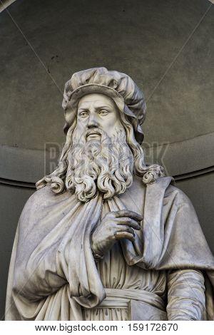 Leonardo Da Vinci Statue In Florence