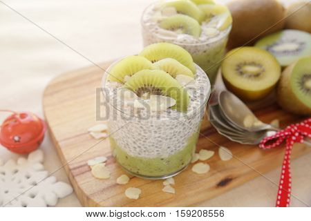 chia seed pudding with kiwi and strawberry Christmas breakfasttoning