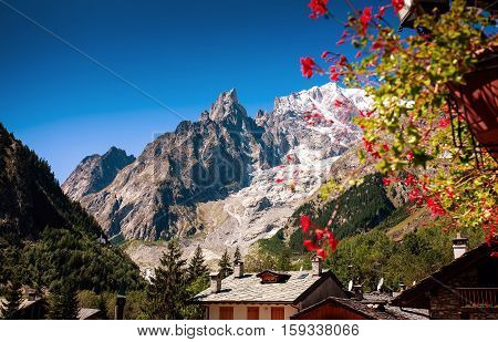 Mont Blanc, Courmayeur Italy sky clouds roof