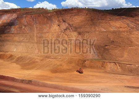 High wall slope at Tom Price iron ore mine