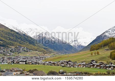 Small Italian ski town in autumn - Livigno