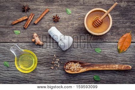Ayurvedic Medicine And Nature Spa Ingredients Honey ,herbal Compress Ball,turmeric,cinnamon Powder ,
