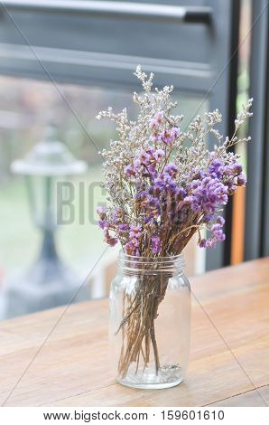 pupple statice flower and gypsophila flower in the vase