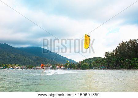 Kite Boarding, Fun in the ocean, Extreme Sport