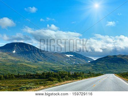 Norwegian Sunshiny Summer Road (near Dombas, Norge)