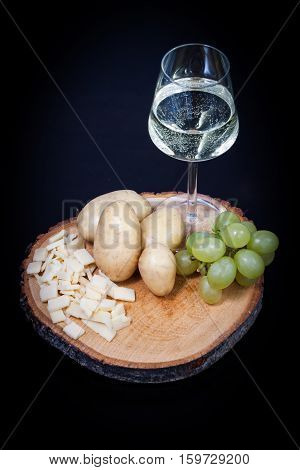 The ingredients for making cheese fondue with white wine
