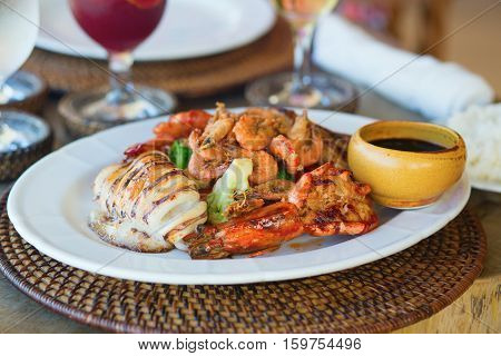 Grilled Squid With Seafood And Vegetables