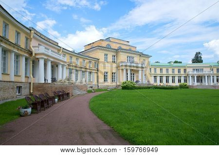ANDRIANOVO, RUSSIA - JULY 31, 2016: Central part of an ancient noble mansion in the cloudy July afternoon. Estate Maryino, Leningrad region